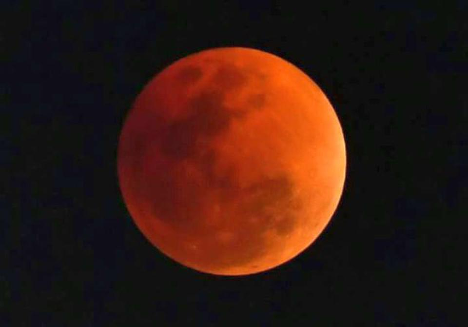 An image of the super blue blood moon taken around 7.10 p.m. in Vijayawada on Wednesday, January 31, 2018.