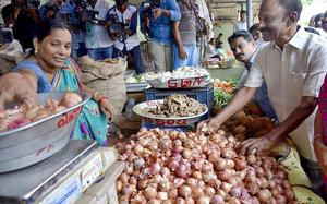 Onions burn a hole in people's pockets
