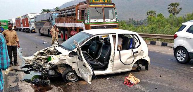Woman, toddler die in road accident - The Hindu