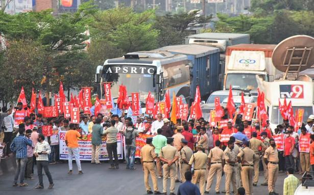 Bharat Bandh updates | Farm unions mark 4-month anniversary of protest against agri laws