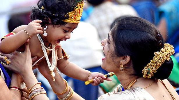 'Utlotsavam' revelry marks Janmashtami celebrations in city