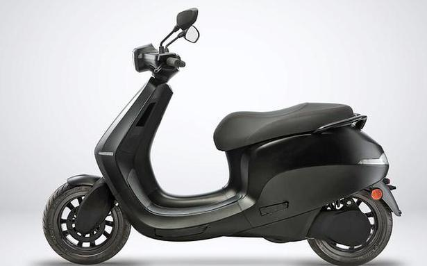 Ola receives 1,00,000 bookings for electric scooter in 24 hours