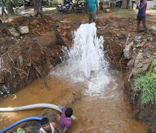 Precious water goes waste after pipe burst