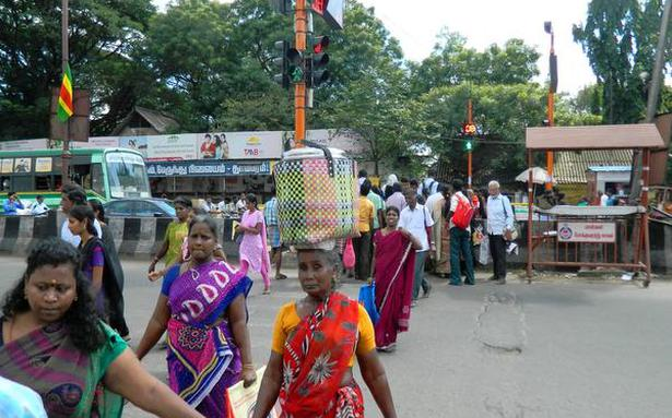 �Deploy traffic police personnel near West Tambaram bus terminus�