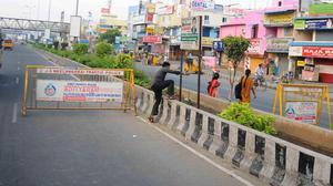 Jaywalking, a scourge on Chennai's Rajiv Gandhi Salai