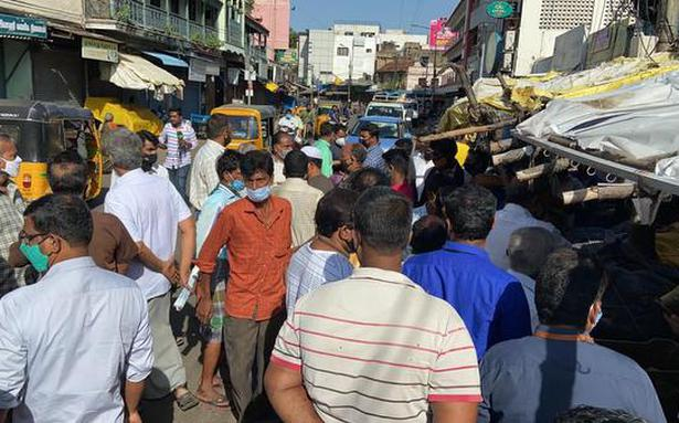 Traders protest as Chennai Corporation's order to close shops in commercial areas comes into force