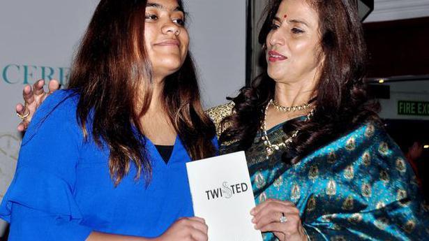 More women writers in English today: Shobhaa De