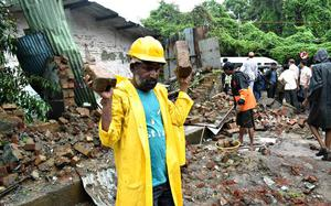 One killed, two injured in wall collapse in Saki Naka