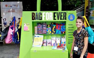 Metro commuters can now buy carry bags made by Tihar inmates from PET bottles