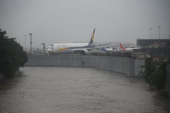 Maharashtra rain updates: Schools, colleges in Mumbai, Thane, Navi