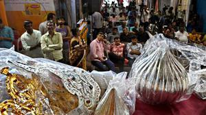 Lalbaugcha Raja earns less this year