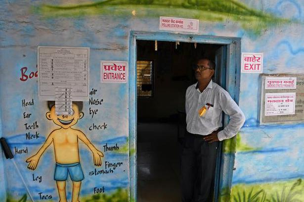 Mumbai: May 28, 2018. The poling officer looking for voters during a lean hours at Kavada-ThakarPada village in Talasari Taluka of Palghar district on Monday. The by-election for Lok Sabha seat in Palghar of Maharashtra being conducted today. Photo: Arunangsu Roy Chowdhury.