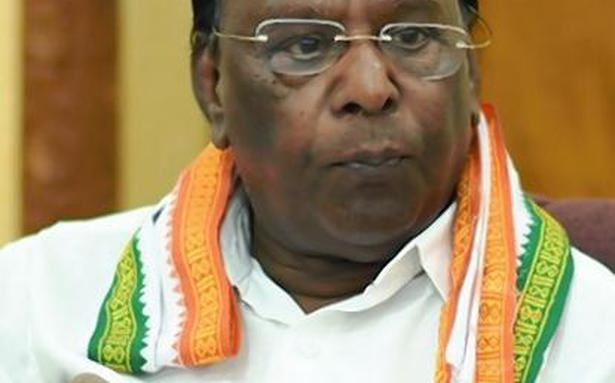 Narayanasamy's poser to Bedi over soliciting funds
