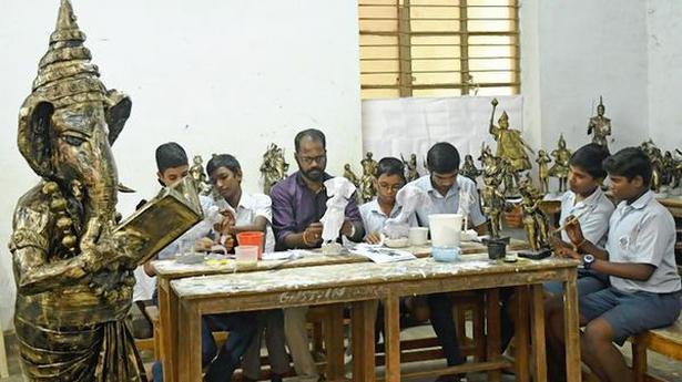Govt. school students make eco-friendly idols