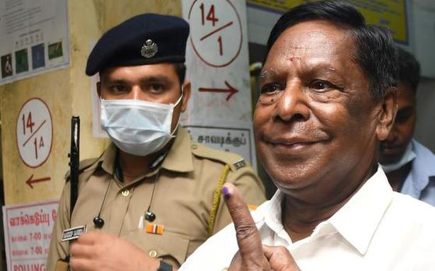 Former CM Narayanasamy appeals to SDPA supporters to be on guard at the counting centres