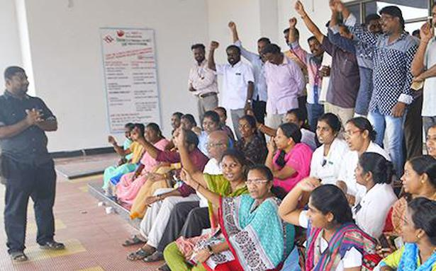Staff of colleges demand VII pay panel scales
