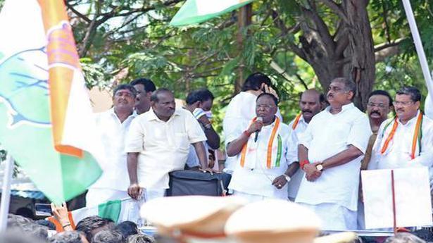 Narayanasamy exhorts party cadres to make Rahul PM