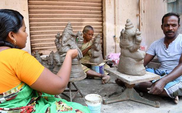 No time to idle for idol makers