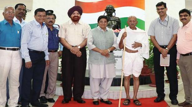 Adopt Gandhian principles, Bedi tells youth