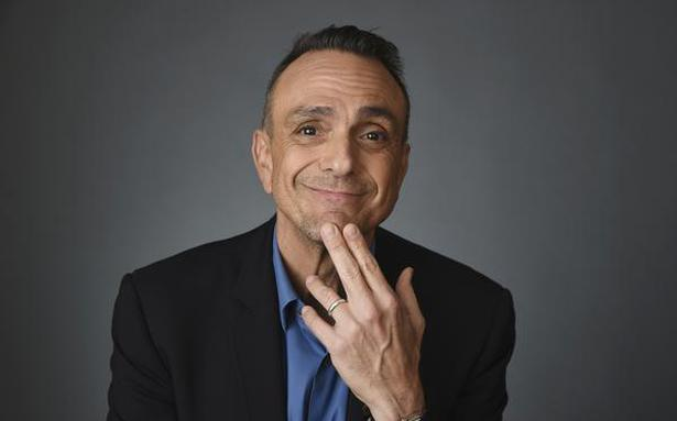 'The Simpsons' actor Hank Azaria feels he needs to apologise to every Indian for voicing 'Apu'