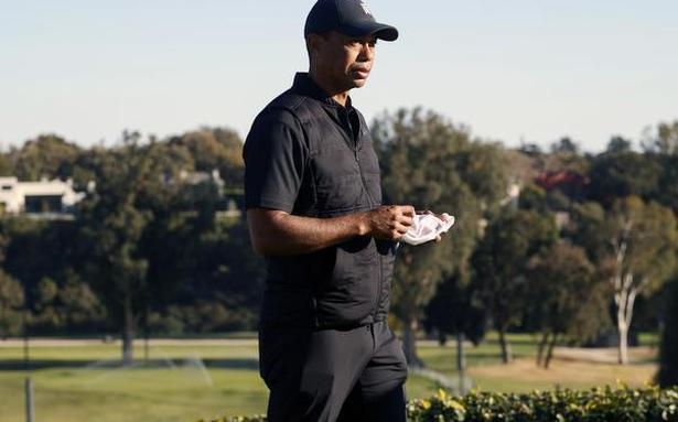 Tiger Woods hospitalized after being involved in car accident