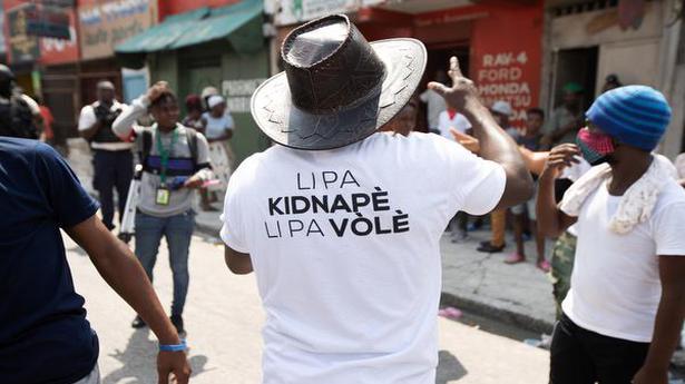 U.S., Haiti seek release of 17 missionaries snatched by gang