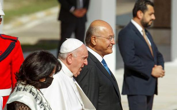 After whirlwind historic visit, Pope leaving Iraq for Rome