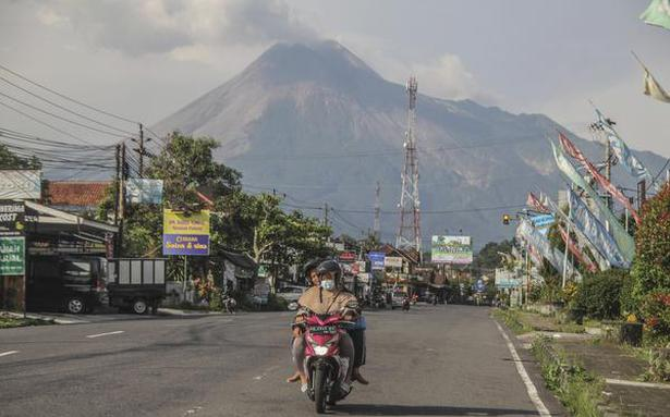 Thousands evacuated as activity in Indonesian volcanoes increases