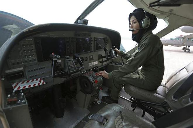 Graduating from refugee to Afghanistan's second female pilot