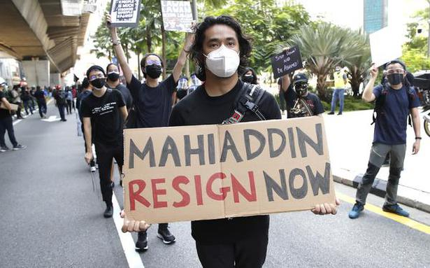 Malaysian youth demand the resignation of Prime Minister as pandemic worsens