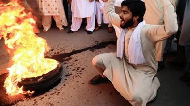 Zardari handed over to anti-graft body for 10 days