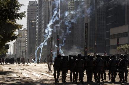 Police Disperse Anti Bolsonaro Protesters In Brazil The Hindu