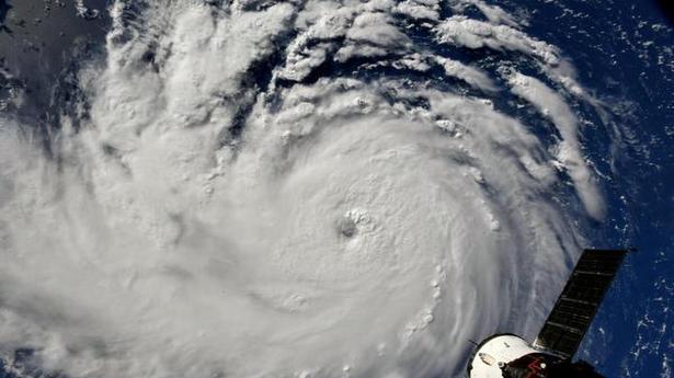Storm Florence Strengthens Category Patru Takes Aim Carolinas