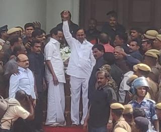 CMs of Various States pay homage to Karunanidhi