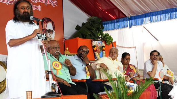 QnA VBage Flipkart, Amazon circumventing laws, says RSS affiliate Swadeshi Jagran Manch