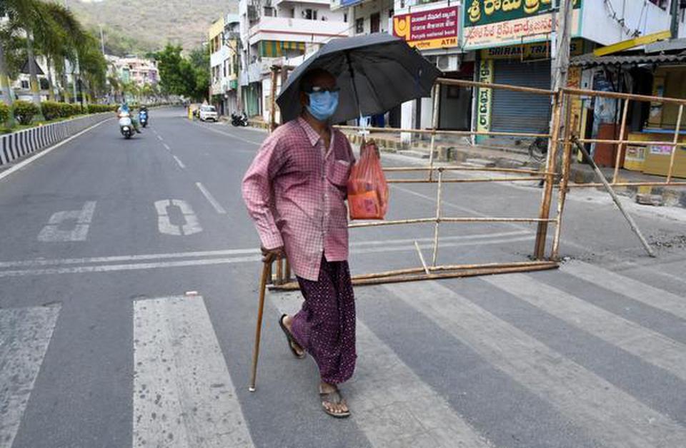 India's coronavirus death toll overtakes that of China - The Hindu