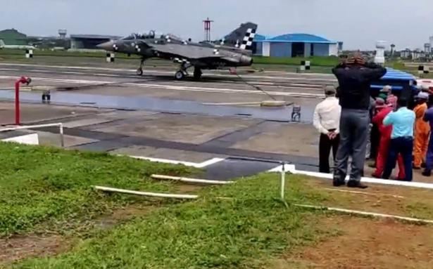 Naval LCA Tejas makes short arrested landing at Goa facility