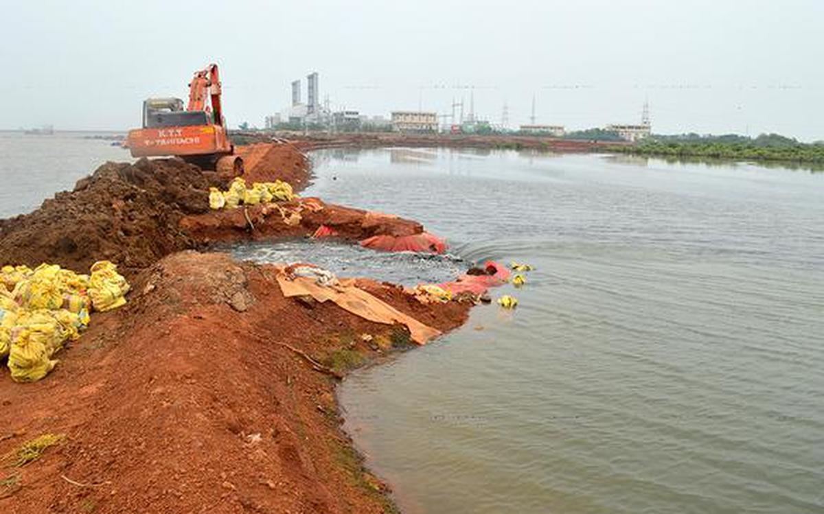 GMR told to stop dredging in Kakinada - The Hindu