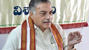 Yarlagadda: Hindi cannot be imposed