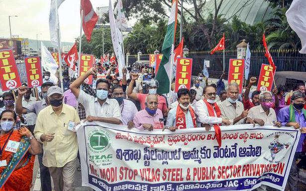 Trade unions slam Centre over privatisation of steel plant