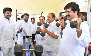 Naidu an event manager, says Muttamsetti