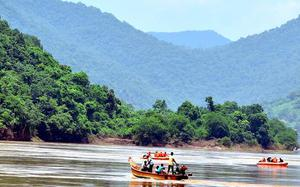 Vigorous search launched for missing passengers