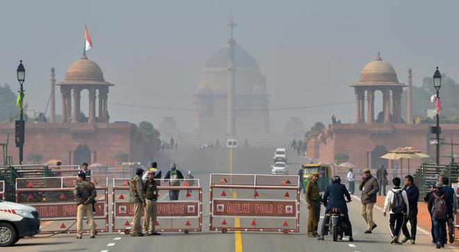 Multiple chief guests a first for republic day the hindu on vigil security personnel stand guard at the rajpath in new delhi on thursday altavistaventures Images