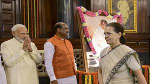 Analysis | Congress battles with BJP over Gandhi's legacy