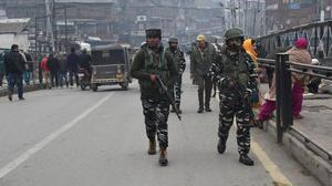 Violence, shutdown again in Srinagar