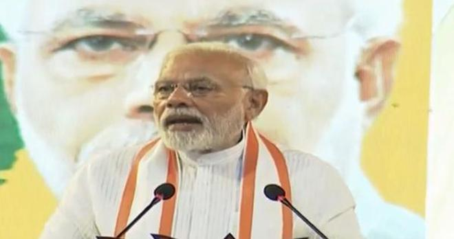 prime minister narendra modi speaks at a meeting in kollam on january 15 2019