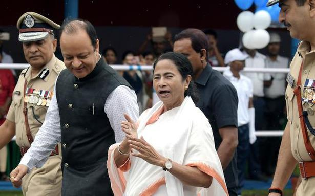 SC restrains Mamata govt from taking any 'coercive action' against BJP leaders
