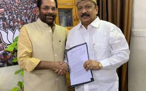 Roshan Baig calls on BJP leaders, fuels further speculation