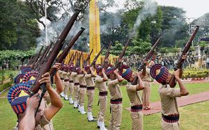 Police Commemoration Day observed in Mysuru, Mandya