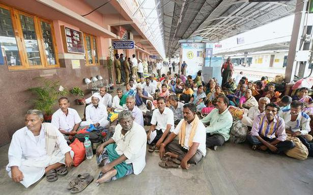 Karnataka villagers go on ticketless travel for rail link; detained in Madurai